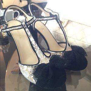 NIB 16P Chanel Black White Lace Bow Heels